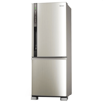 frost free domestic refrigerator